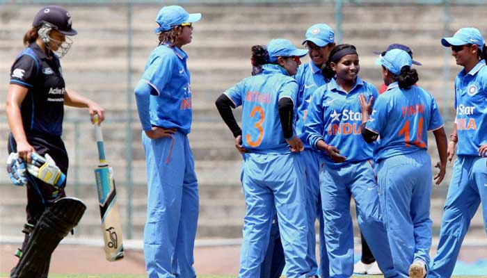 Clinical India outshines NZ to march into Womens World Cup semis