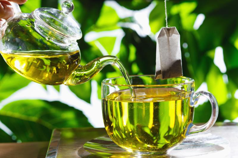 Six reasons why you should include green tea in your daily diet