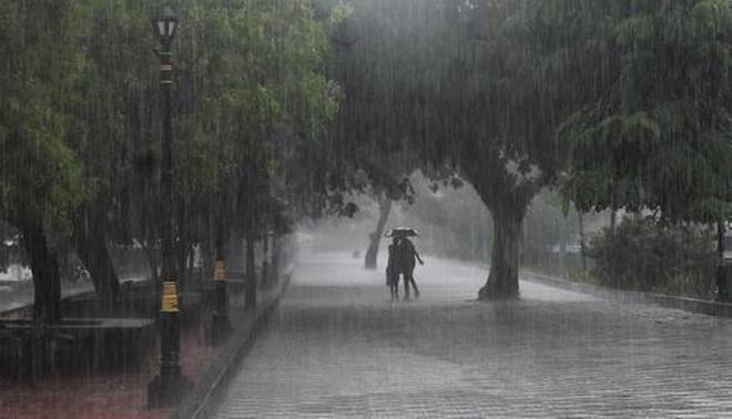 Night temperatures increase in J&K, heavy rains expected