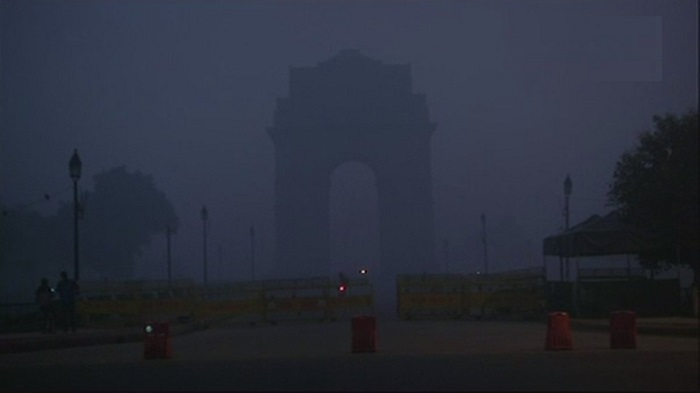 Dense fog covers national capital, air-quality turns severe