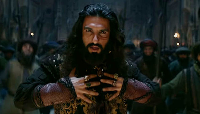 Watch giant avatar of Ranveer Singh in song Khalibali from Padmaavat