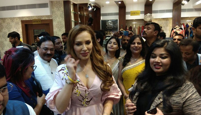 PHOTOS: Lulia Vantur inaugurates Azara wedding boutique in Lucknow