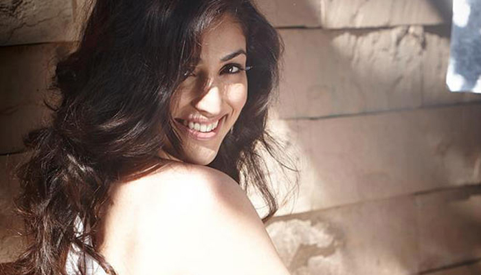 Yami Gautam sets social media platform ablaze with her oomph