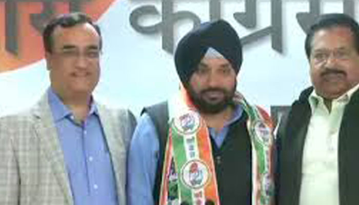 Homecoming for Arvinder Singh Lovely, returns to Congress