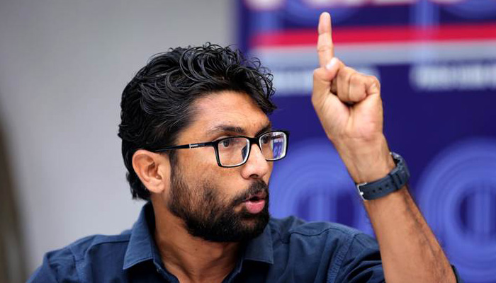 Jignesh Mevani argues with police as detained during protests