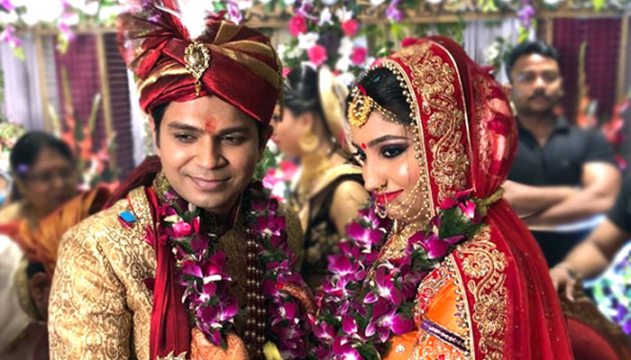CONGRATULATIONS! Finally Ankit Tiwari gets hitched with this beautiful girl