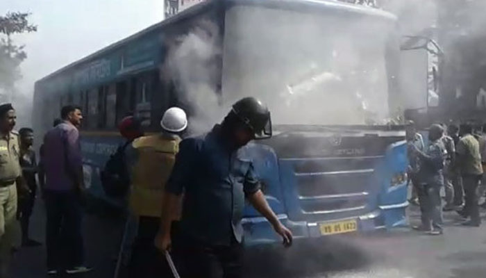 Two killed in Kolkata accident, clashes erupt