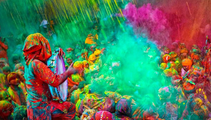 Tips to save hair, skin, eyes from ill-effects of Holi colours