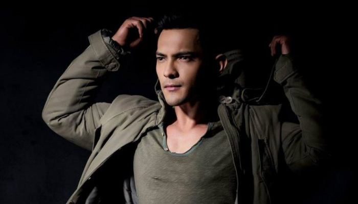 Aditya Narayan apologises a day after accident