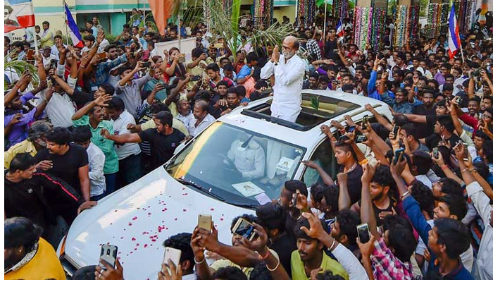 Rajinikanth assures of filling leadership void, offers MGR rule to TN