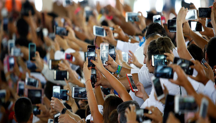 ATTENTION! Your smartphone is damaging the environment