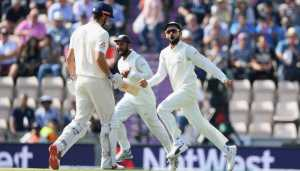 Fourth Test: Struggling England swell lead to 125 at tea on Day 3
