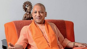 Yogi Adityanath offers golden crown weighing 2.5 kg to Lord Hanuman