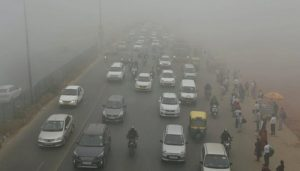 Delhi witnesses cold waves at 3.7 degree, air quality 'very poor'