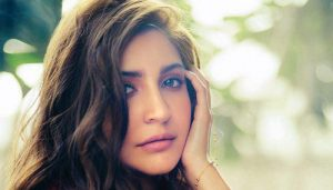 Fans can't keep calm as Anushka Sharma REVEALS her 'current favourite accessory'