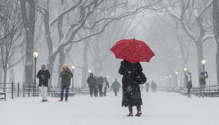 Spine chilling cold hits US, Chicago as temperature drops to -40° Celsius