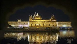 Devotees throng gurdwaras on Lohri and Guru Gobind Singh's Birth Anniversary