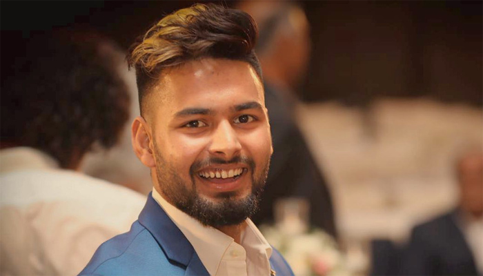 Rishabh Pant posts his love-soaked pic with girlfriend on Insta   Check