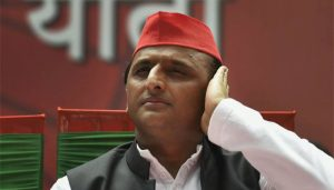CBI Scam: Akhilesh Yadav tweets photo with his family