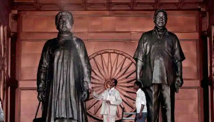 Mayawati rationalizes her statues in SC, Says it Represent will of people
