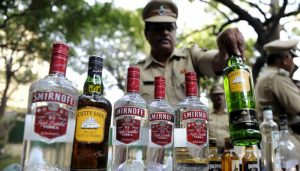 UP: 2 members of liquor smuggling gang arrested in Meerut