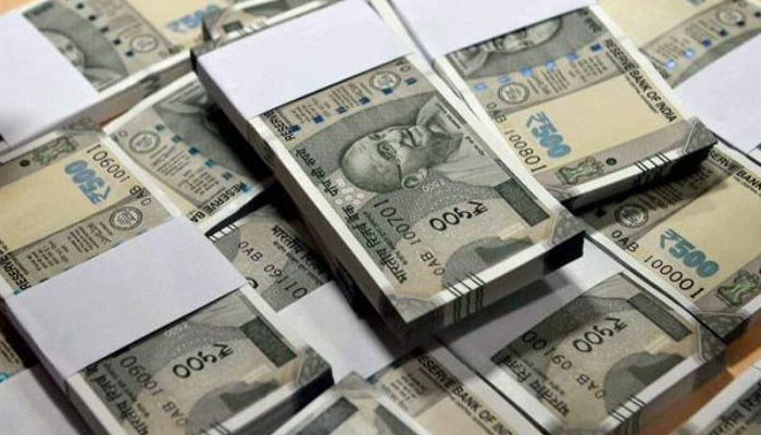 Thane: Rs 19 lakh cash seized from a car in Maharashtra