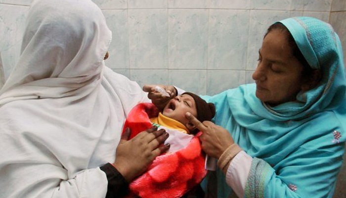 Pakistan suspends polio drive after security threats to workers