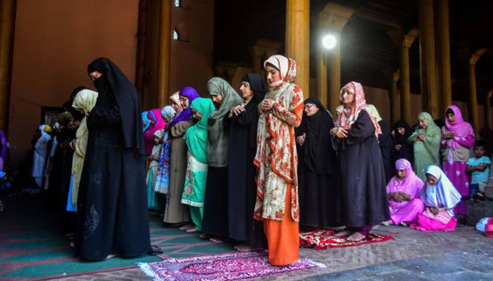 SC to Centre on plea seeking entry of Muslim women into mosques to offer prayers