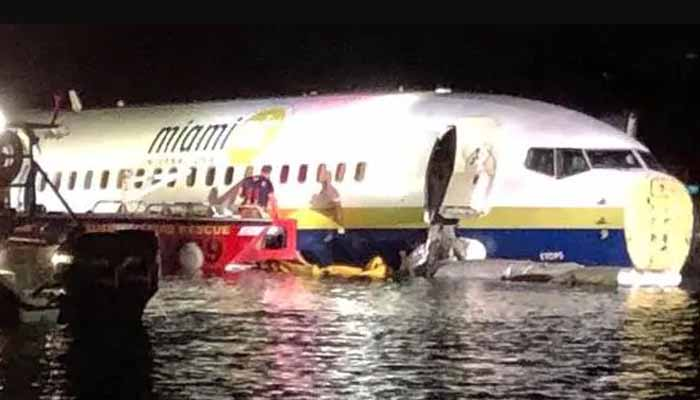 Plane with 136+ peopleonboard crashes into Florida river at end of runway