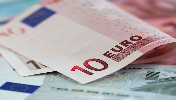 European-Union fines five major banks 1 bn euros for currency collusion