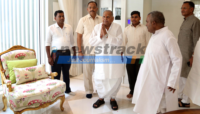 Mulayam Singh Yadavs Exclusive New Lavish Home in Lucknow