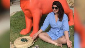 This Meditation pic of Twinkle Khanna a dig at PM modi?