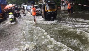 Heavy rains continue in Mumbai & adjoining areas for 2nd day