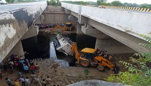 Yamuna Expressway: 29 killed, 20 injured after a bus falls off into a 'nullah'