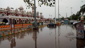 Weather Warning Six States Red Alert for Bihar and UP