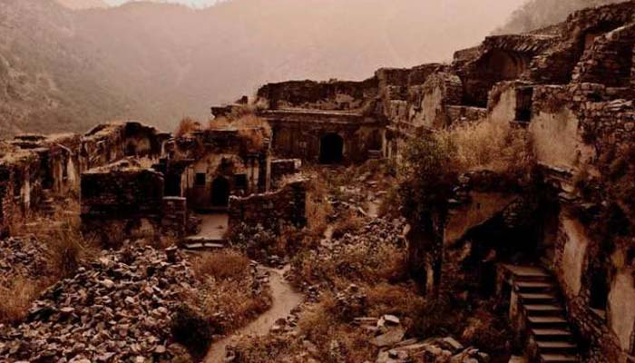 Haunted story of Kuldhara village that was abandoned two centuries ago!