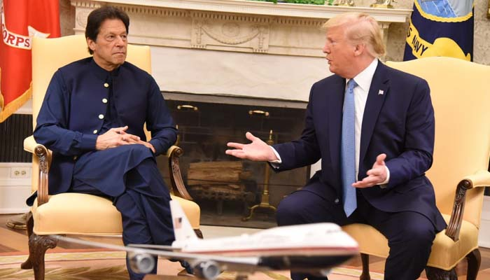 Kashmir issue: Trump asks Imran to resolve tensions with India bilaterally