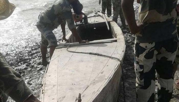 BSF finds two Pakistani boats abandoned in 'Harami Nala' area