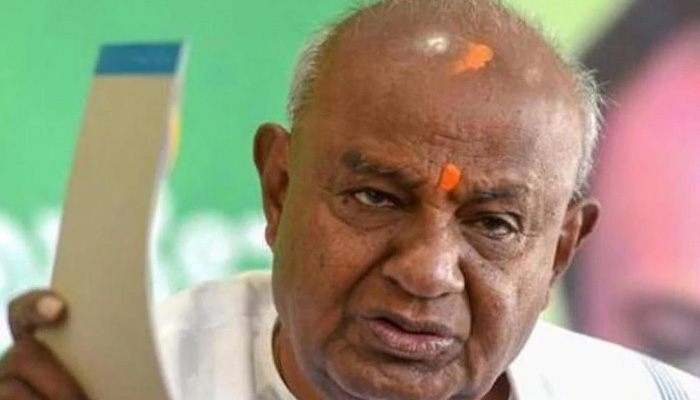 Gowda targets Siddaramaiah again over collapse of coalition government