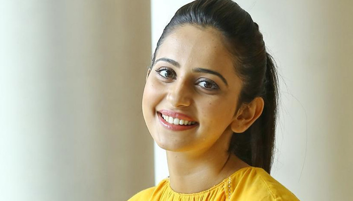 Rakul Preet Singh to walk for Nachiket Barge at LFW Winter/Festive 2019