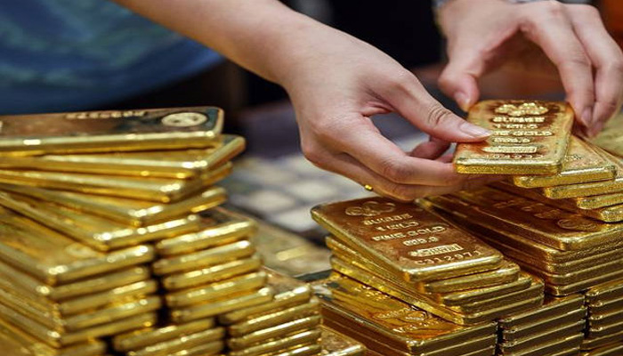 Gold reaches new high, gains Rs 122; silver jumps Rs 2,070