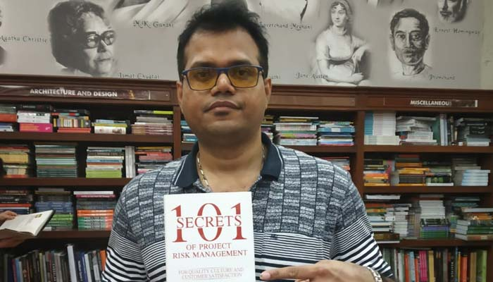 Book by Manoj Yadav '101 Secrets of project risk management' launched