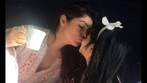 Twinkle Khanna recreates horror scene with her daughter and her friend