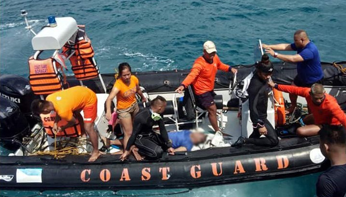 At least 7 dead, 14 rescued as dragon boat capsizes in Philippines