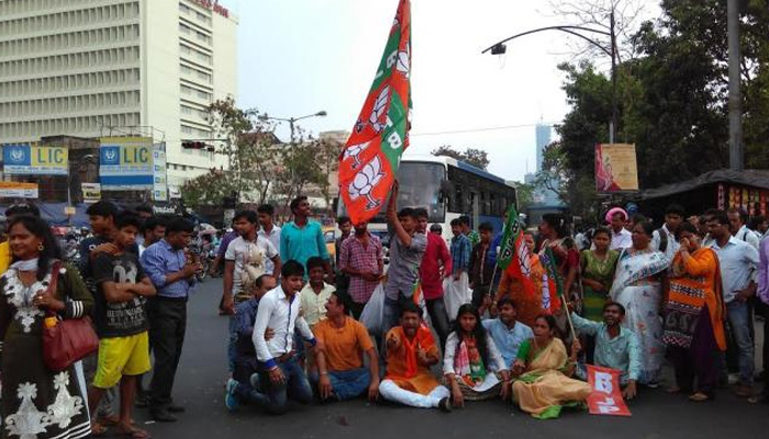 Bengal BJP raises pitch for removing 6 years residence clause