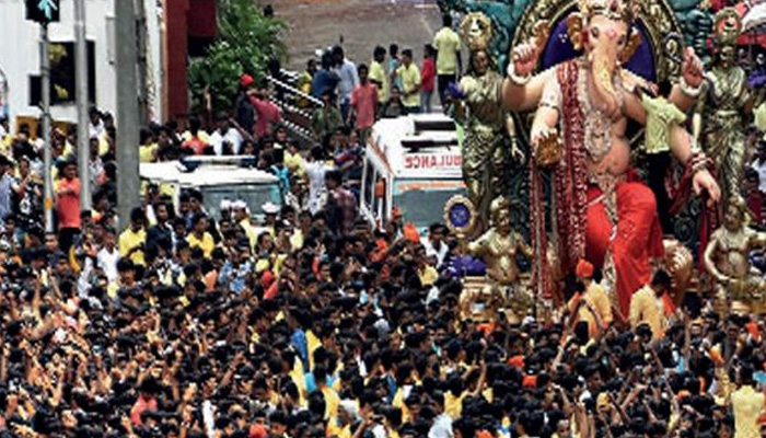 Five held for bid to extort donation for Ganesh festival
