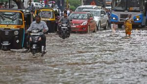 Flooding in Pune after heavy rain; 7 killed, 500 rescued