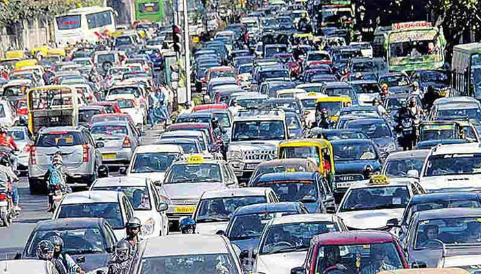 Students protest throws traffic out of gear in central Delhi