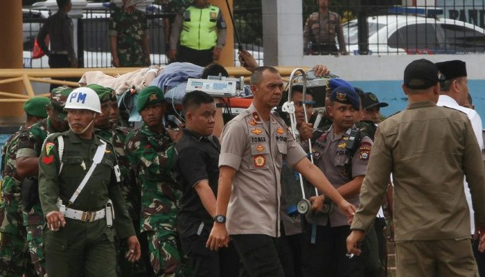 Indonesia minister stabbed by IS-linked pair: Official