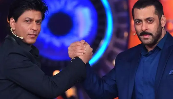 Check Salman Khans reaction to SRK jumping into fire to save life